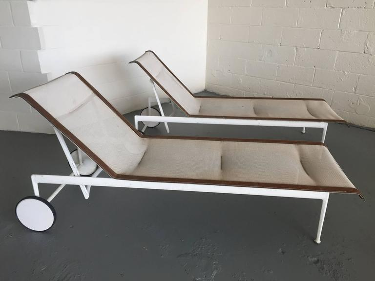 2fd7367051d3 Mid-Century Modern Pair of Richard Schultz for Knoll Chaise Longues For Sale