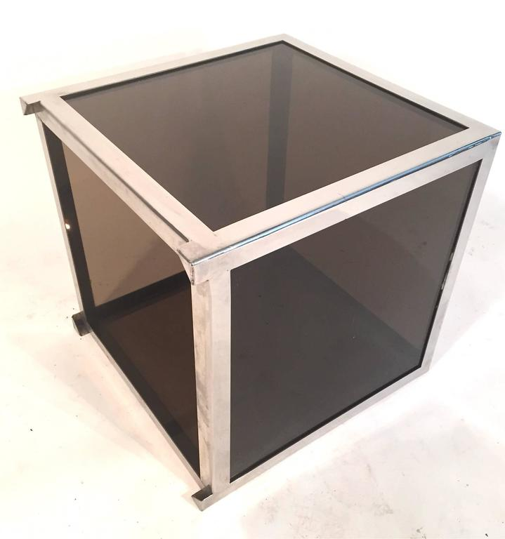 Genial Chrome Trimmed Smoked Acrylic Cube Table Attributed To Alessandro Albrizzi  For Sale 2