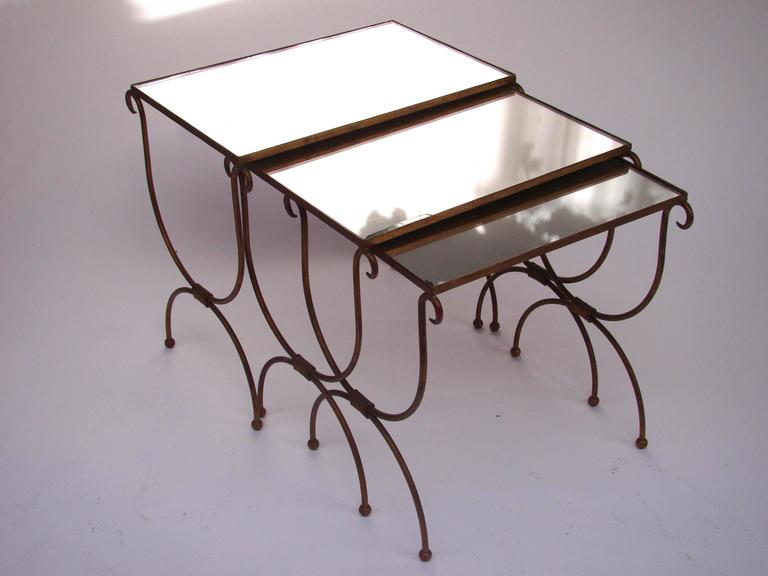 French 1960s gilded iron gigogne nesting coffee tables for Table gigogne