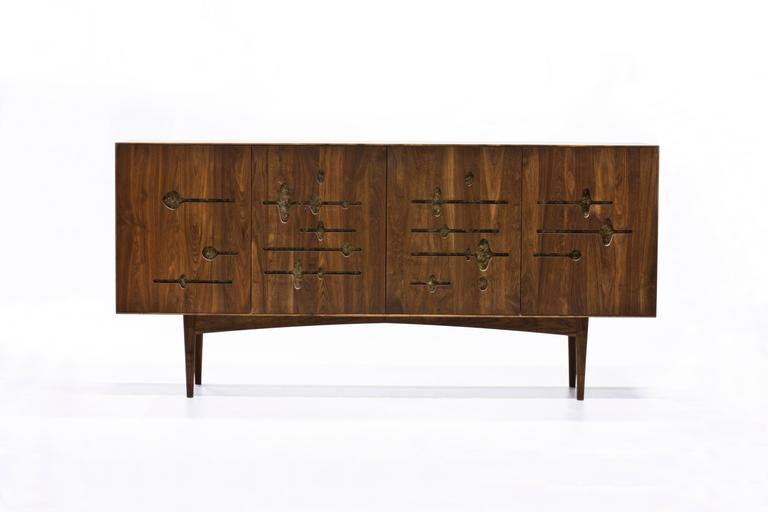 Mid-Century Modern Sine Wave Console in Oiled Walnut and Mica by Michael Dreeben for Wooda For Sale