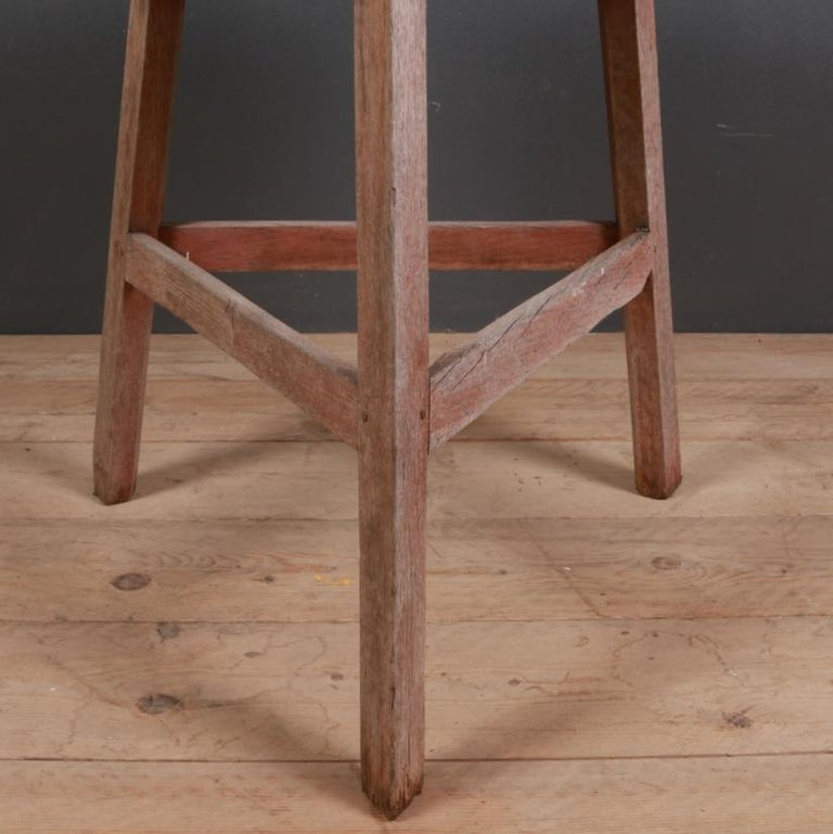 Superb 18th century English oak cricket table with a wonderful 1.75