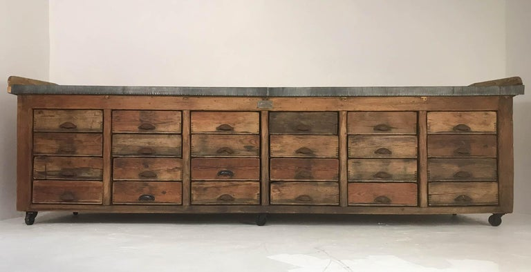 English 20th Century Vintage Industrial Pine Baker's Table Kitchen Island Zinc Top For Sale