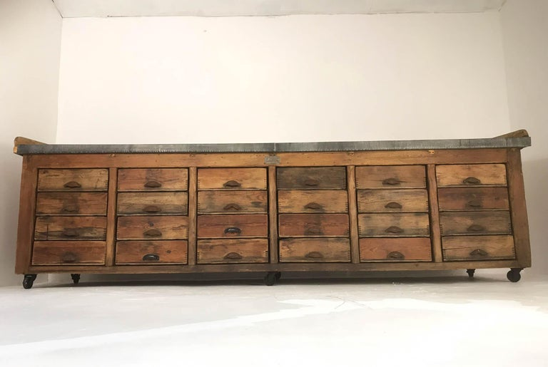 20th Century Vintage Industrial Pine Baker's Table Kitchen Island Zinc Top In Good Condition For Sale In Culverthorpe, Lincs