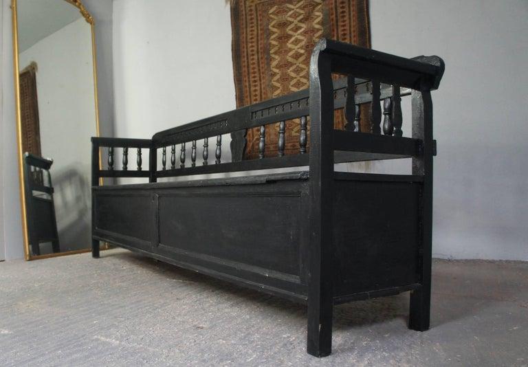 huge painted pine storage bench for sale at 1stdibs. Black Bedroom Furniture Sets. Home Design Ideas