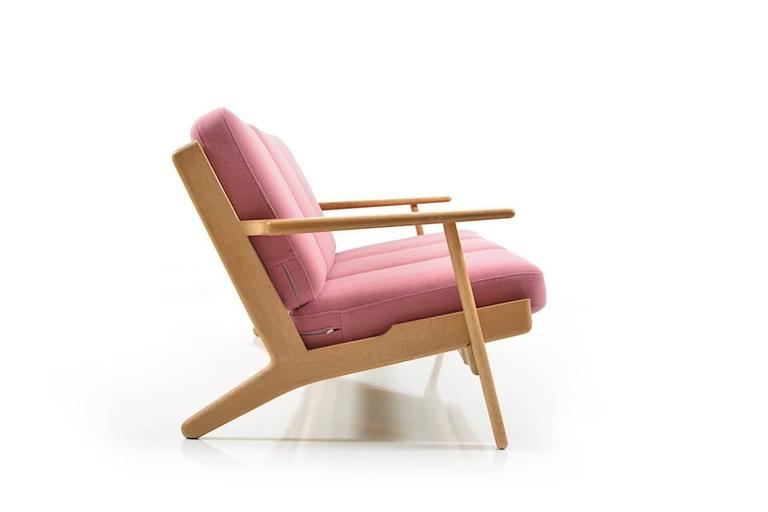 Ge-290/3 Sofa in Oak by Hans J.Wegner 3