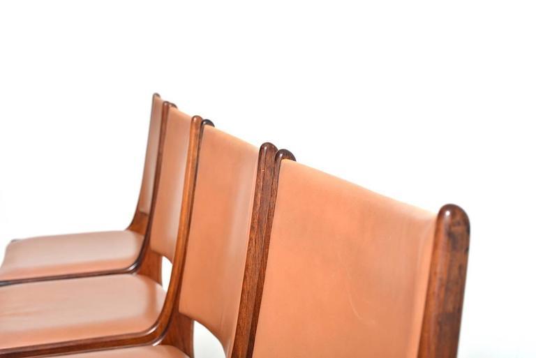 Set of 8 Dining Chairs in Rosewood by Johannes Andersen for Uldum Møbelfabrik In Good Condition For Sale In Handewitt, DE
