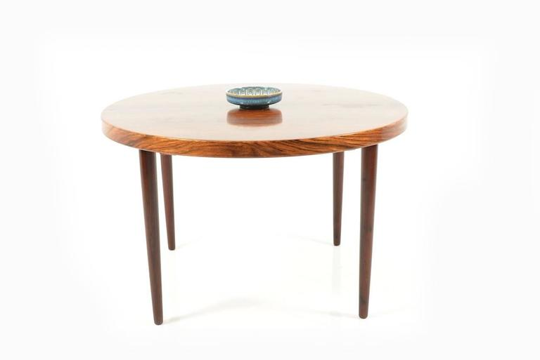 Round or Oval Expandable Danish Rosewood Dining Table For  : Midcenturydanishovalroundrosewooddiningtable4l from www.1stdibs.com size 768 x 513 jpeg 11kB