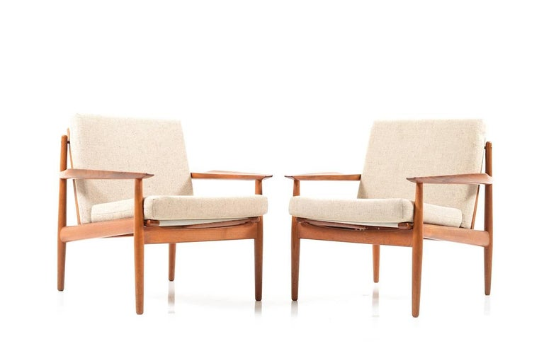 Scandinavian Modern Early Pair of Danish Easy Chairs by Arne Vodder, 1950s For Sale