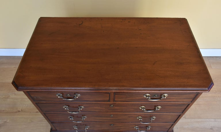 18th George III Century Chippendale Period Mahogany Chest of Drawers For Sale 7