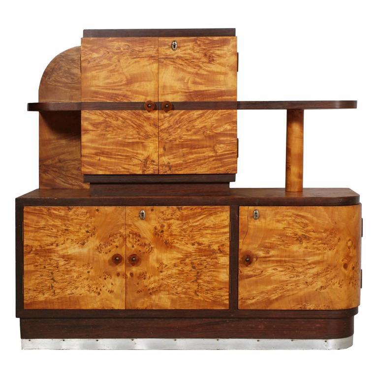 1930s Italian Art Deco Sideboard Buffet in Burl Elmwood by Osvaldo Borsani In Good Condition For Sale In Vigonza, Padua