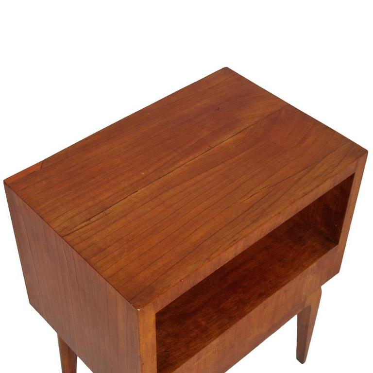 Italian 1930s Mid-Century Modern Nightstand in Cherry Wood , Gio Ponti attributed For Sale