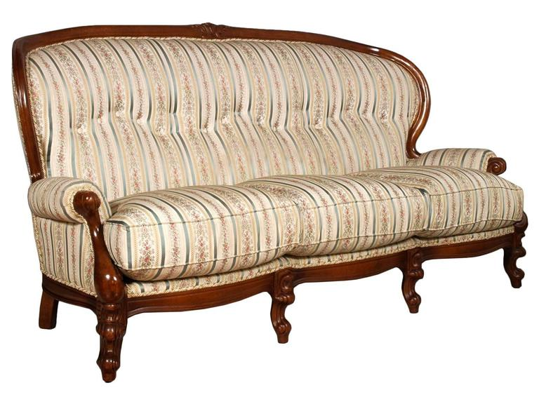 Code: FH59 Venetian 19th century Baroque settee, sofa with upholstery period 2000s in excellent condition, hand-carved walnut frame . For new custom upholstery 1200 euros