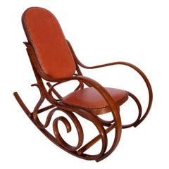 Early 20th Century Art Nouveau Thonet Rocking Chair in Steam Bent Beechwood