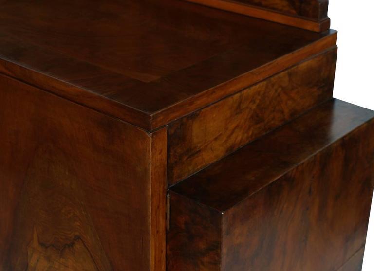 20th Century 1930s Art Deco Italian credenza by Gaetano Borsani mirrored Cabinet,Burl Walnut For Sale