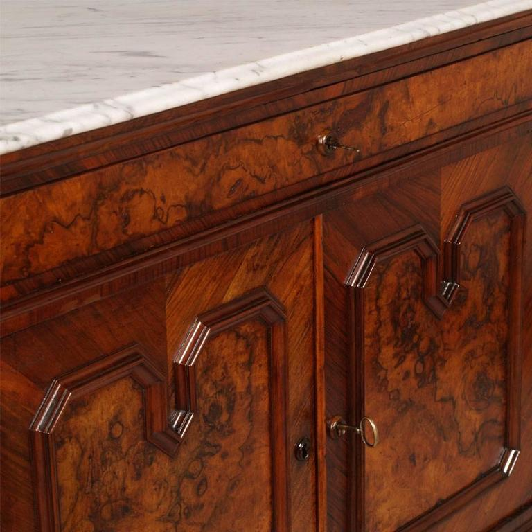 19th Century Chest of Drawers, commode with mirror, Carrara Marble, Burl Walnut For Sale 2