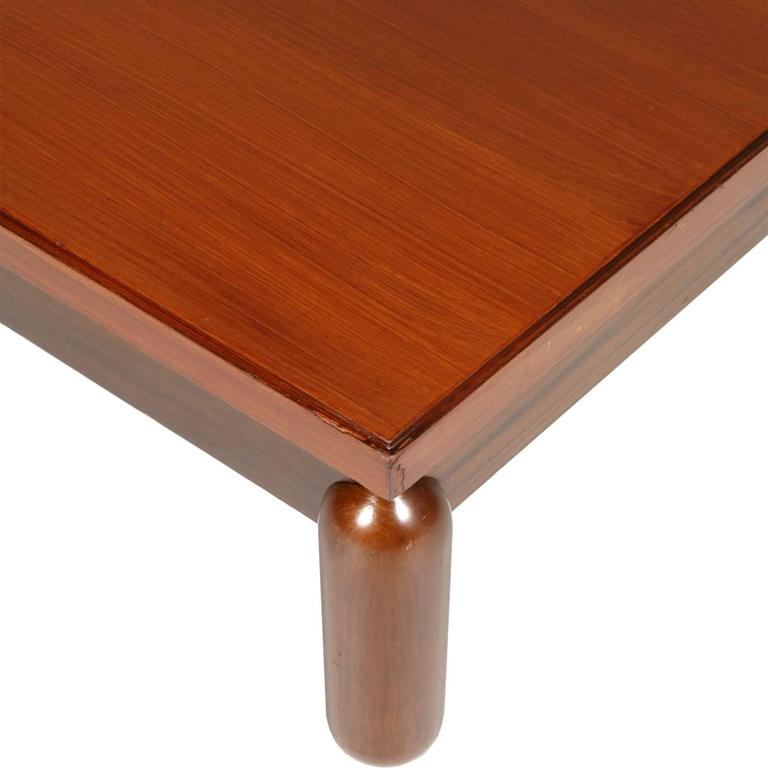 Italian Mid-Century Modern Coffee Centre Table in Afra & Tobia Scarpa Style, 1970s For Sale