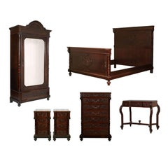 Vincenzo Cadorin Venetian 1890s Bedroom Renaissance Set in Massive Carved Walnut