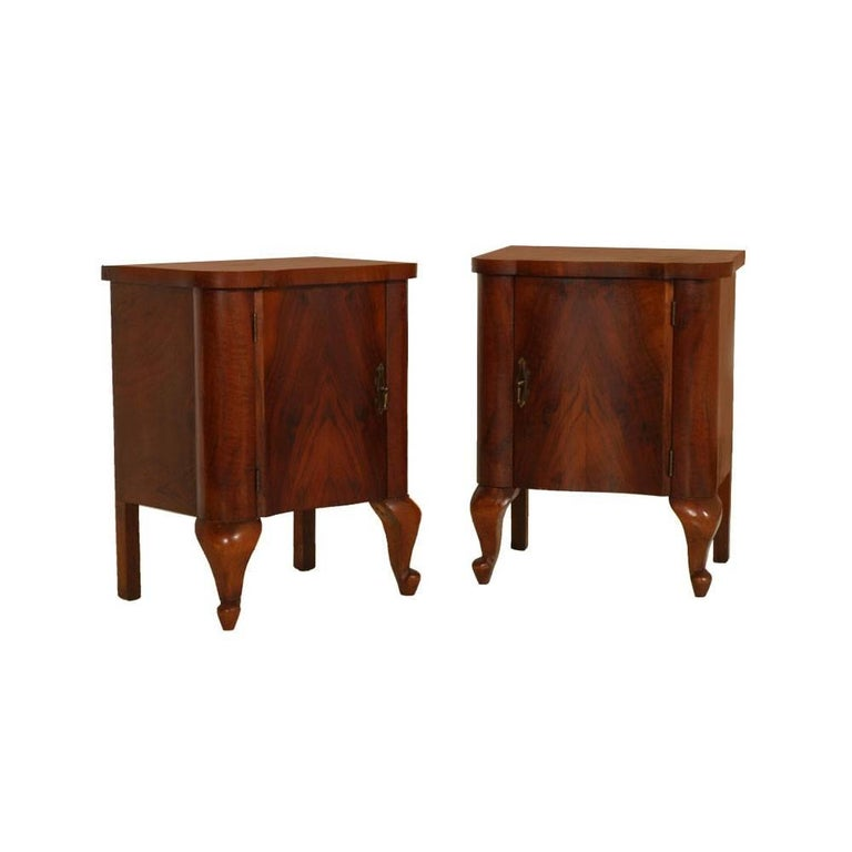 Art Deco Dresser and Nightstands, Walnut and Burl Walnut by Gaetano Borsani For Sale 1