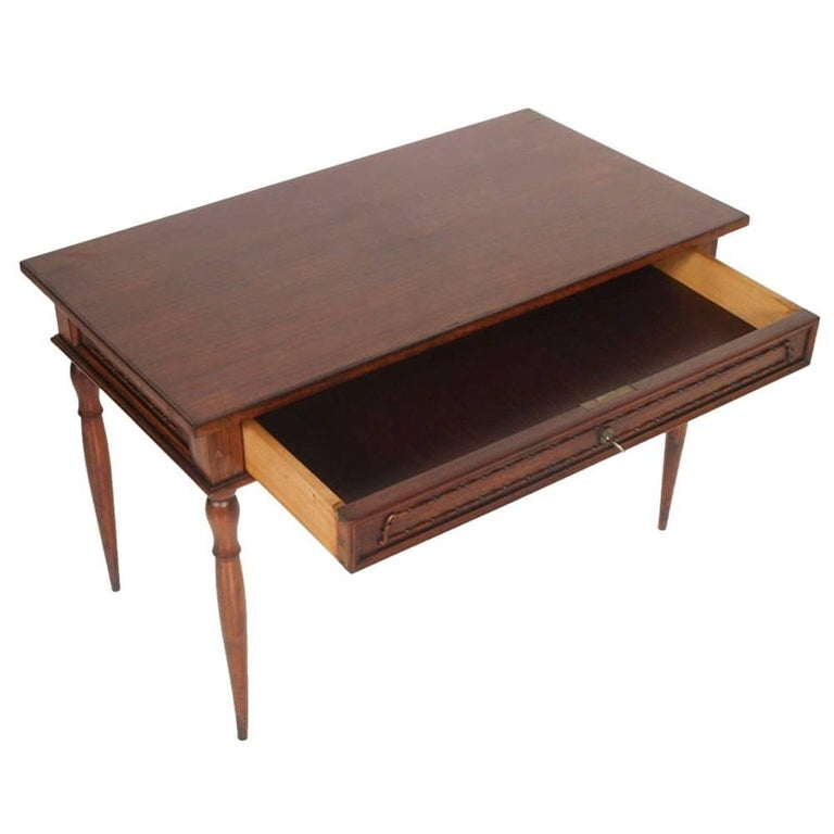Elegant early 20th century neoclassic coffee or centre table in walnut with big drawer