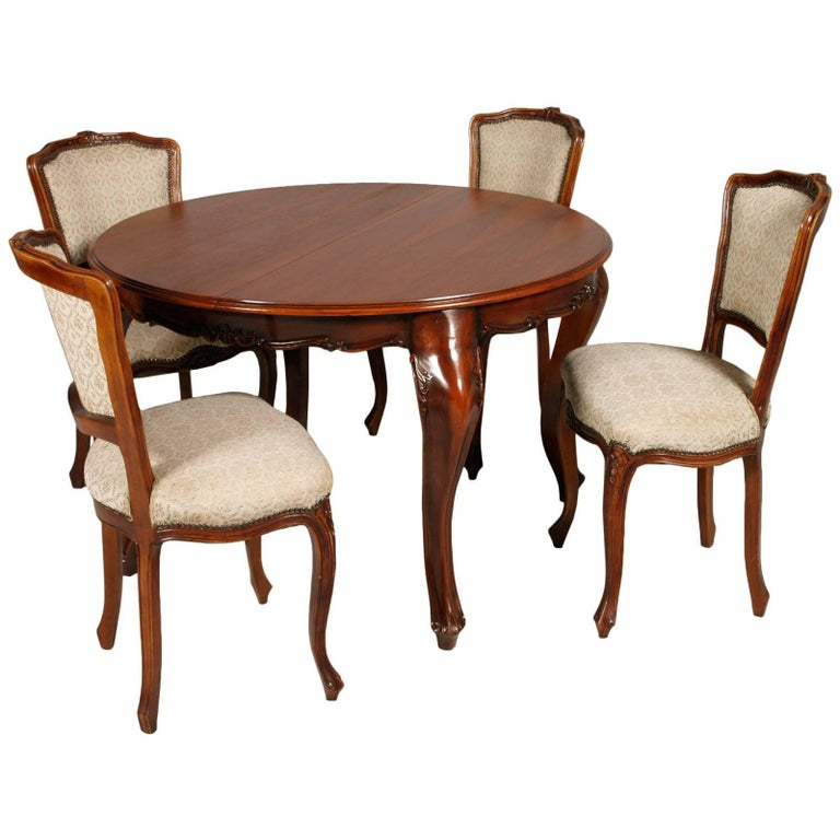 Revival Baroque Extendable Round Table with Four Chairs in Solid Carved Walnut