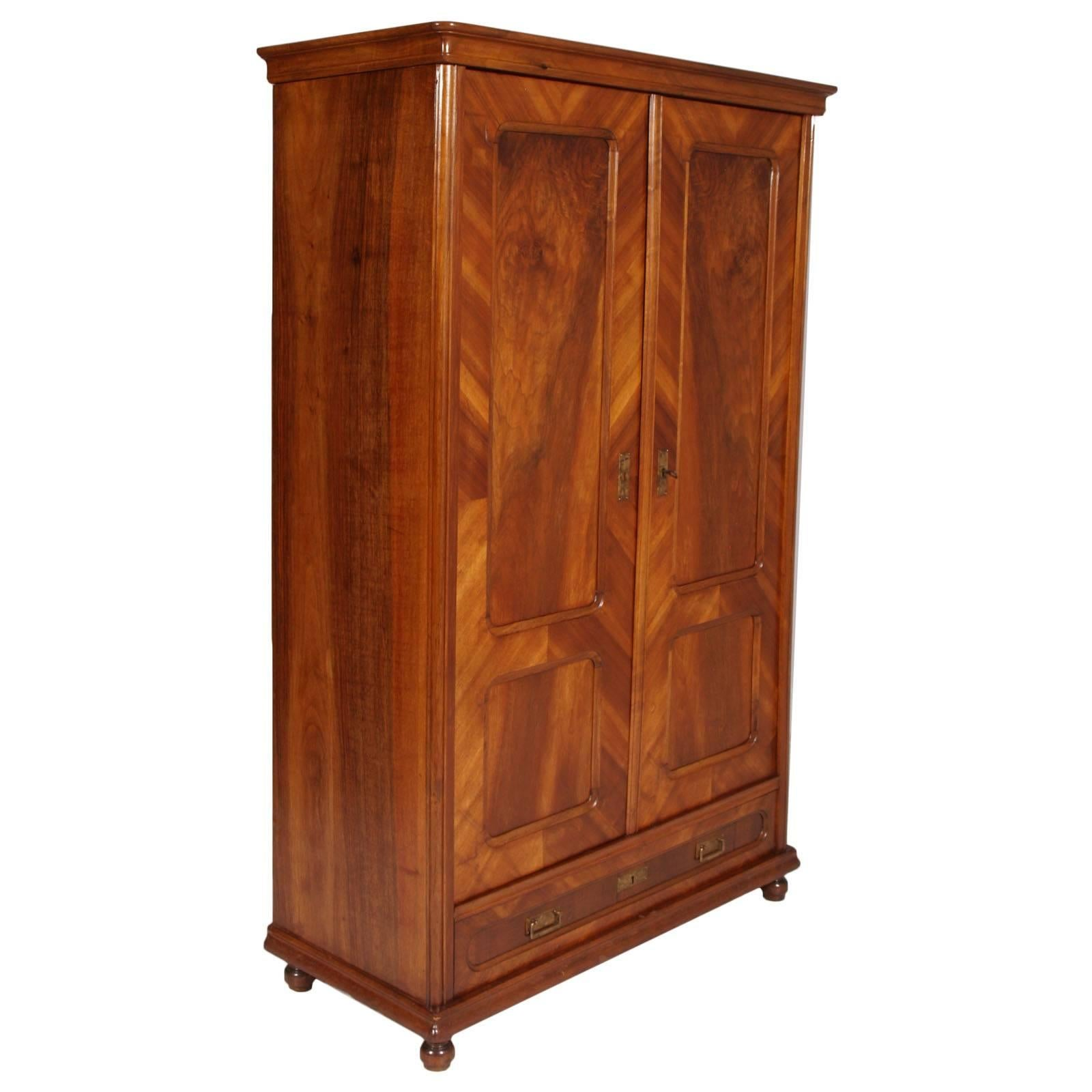 Italian 1850s Louis Philippe armoire or bookcase, blond walnut & veneered walnut