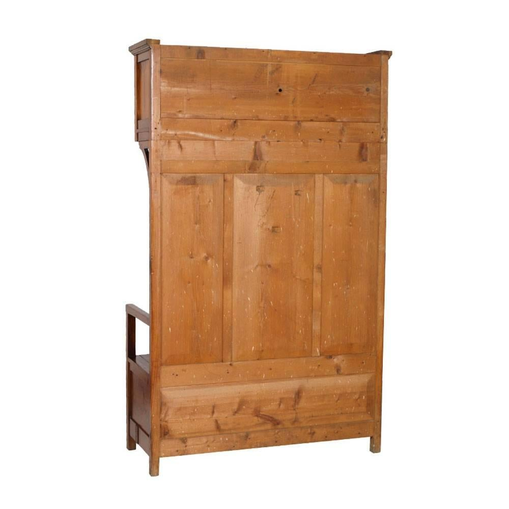 Superbe Italian Early 20th Century Art Nouveau Period Chest Bench Entrance Furniture,  Solid Fir For Sale