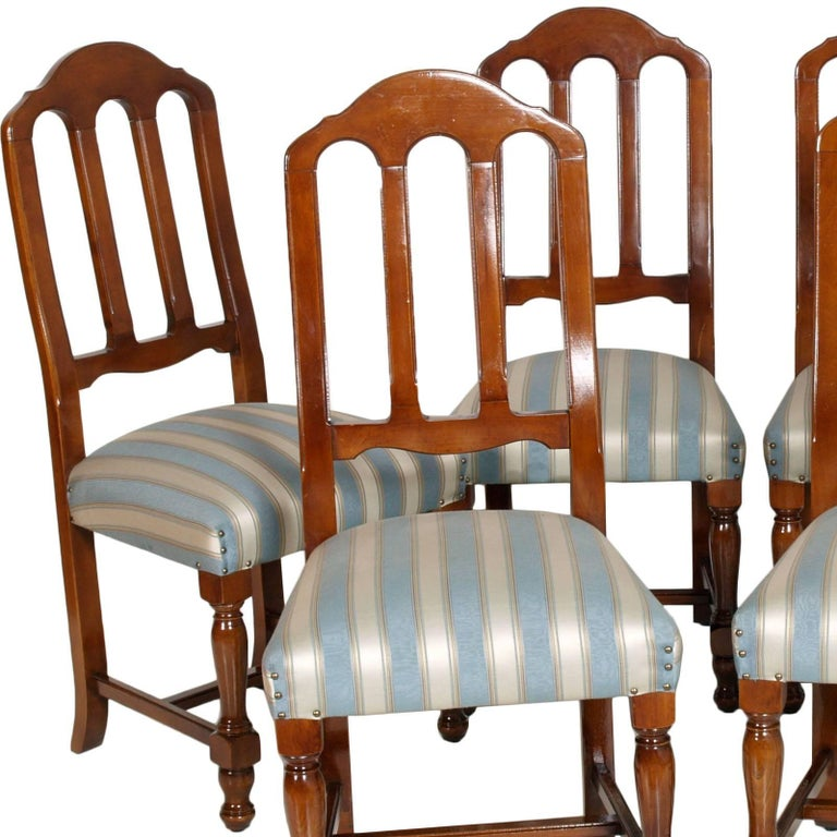 Circa 1920s, of the Art Deco age,  Italian set of 6 Gothic style chairs in solid blond walnut, restored and with new upholstery . The six chairs are very robust and with a supplement of 600 euros they can be upholstered with customized fabric or