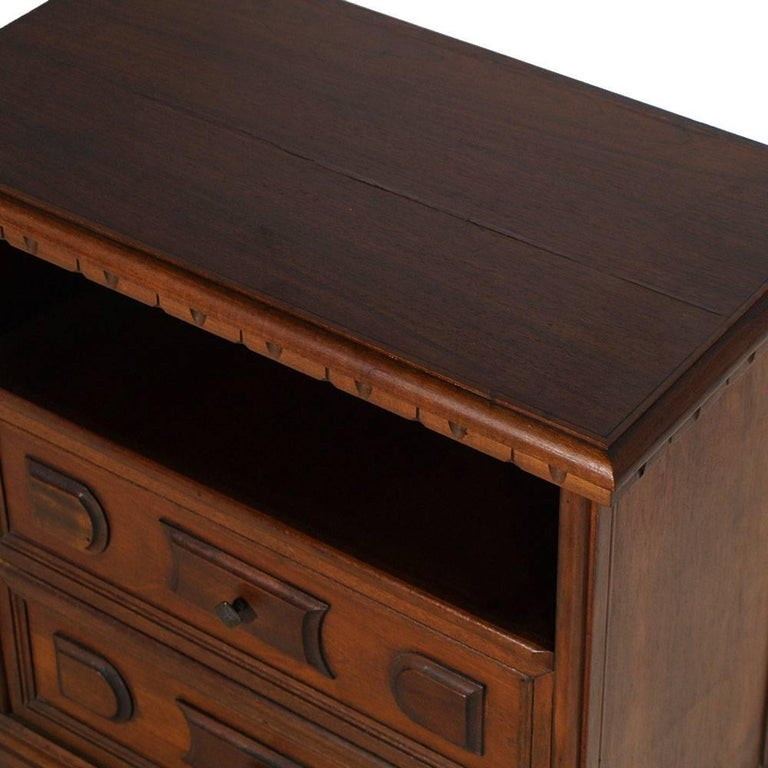 Mid-Century Modern Italian Cabinet, Nightstand, Renaissance Style In Excellent Condition For Sale In Vigonza, Padua