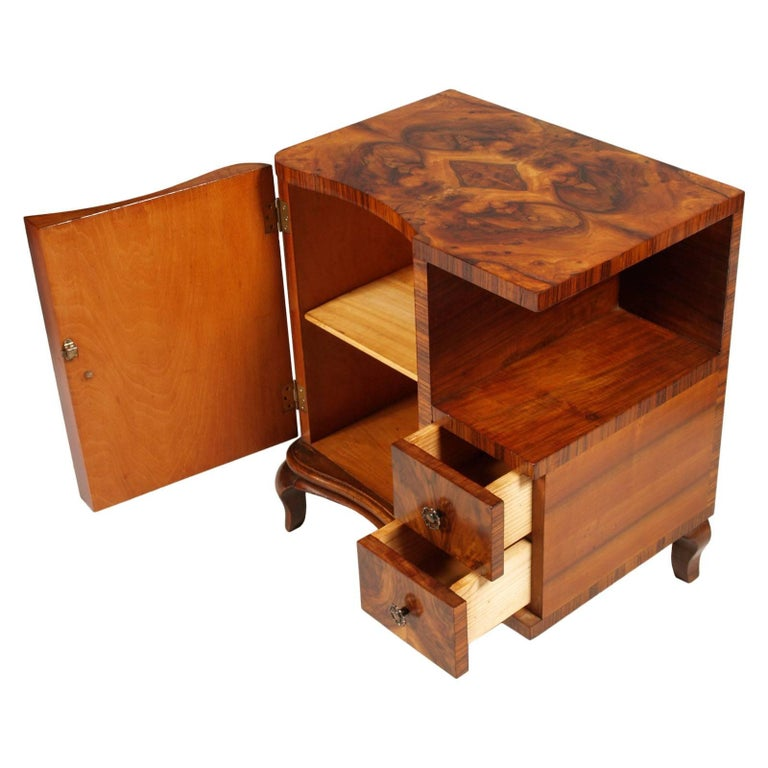 1920s Art Deco Nightstands Cantù Production, Walnut and Burl Walnut Wax Polished In Good Condition For Sale In Vigonza, Padua