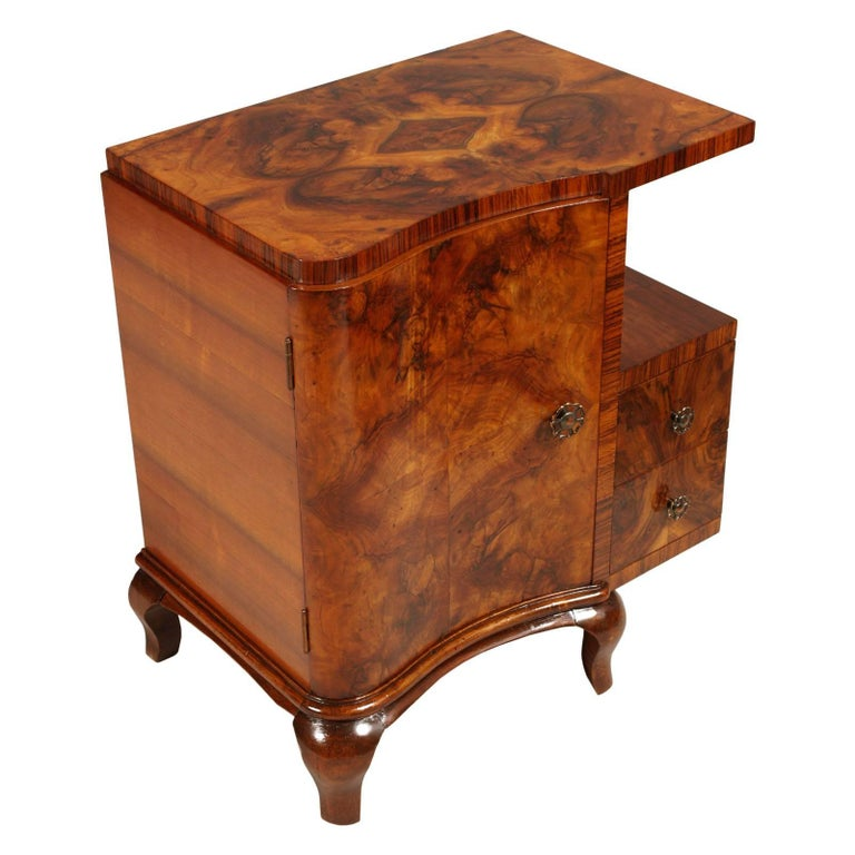 Early 20th century from Cantù Art Deco bedside tables nightstands in walnut and burl walnut restored and polished to wax  Measures cm: H 66 x W 57 x D 40.
