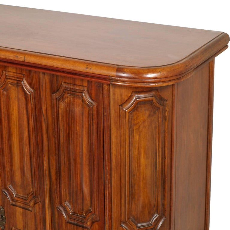 Italian Tuscan 1940s Credenza Renaissance by Michele Bonciani, Cascina, Blond Walnut For Sale