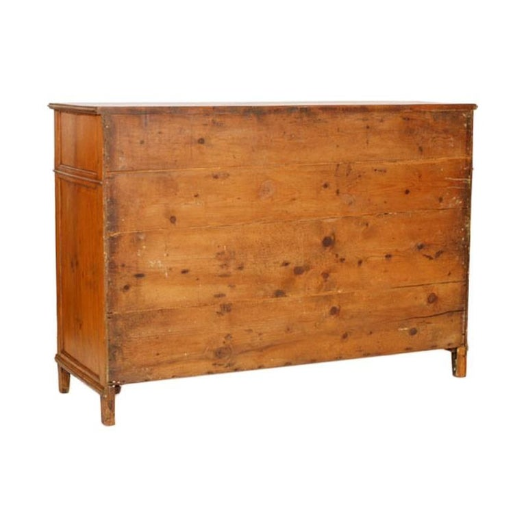 18th Century Country Sideboard Credenza in Solid Larch Restored In Excellent Condition For Sale In Vigonza, Padua