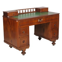 19th Century Italian Writing Desk in Solid Walnut and Weneer Walnut, Restored