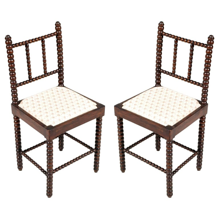 18th Century Pair of Turned Chairs Renaissance Florentine in Walnut Wax Polished For Sale