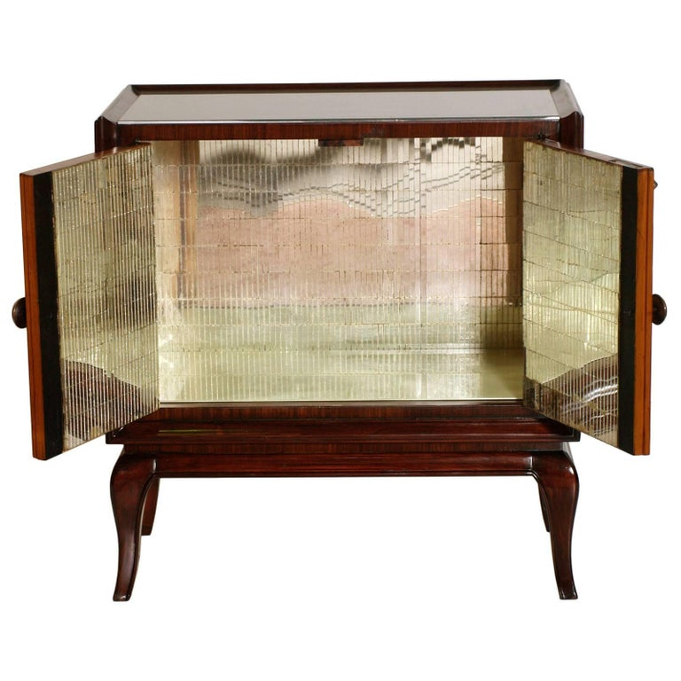 Italian very elegant Art Deco dry bar cabinet, attributable to Paolo Buffa in mahogany, burl elm applied on doors, mirror internal, lacquered glass on the top.