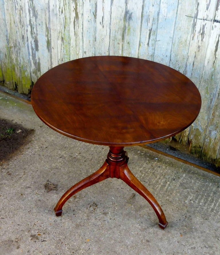 Georgian Yew Wood Tilt Top Table This Lovely It Stands On A Three Footed