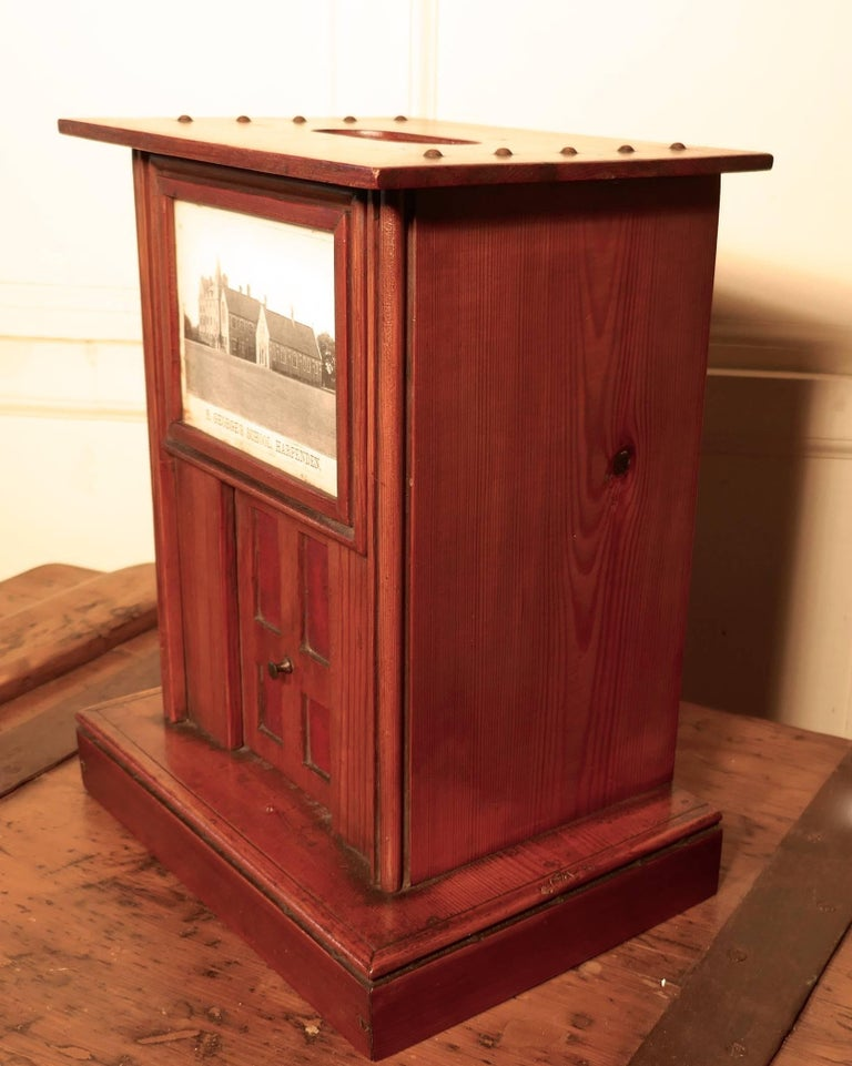 Victorian School House Letter Box, Post Box, 19th Century Post Box, Mail Box In Good Condition For Sale In Chillerton, Isle of Wight