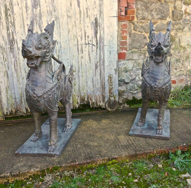 Pair of Large Bronze Thai Temple Guardian Foo Lion Dogs In Good Condition In Chillerton, Isle of Wight