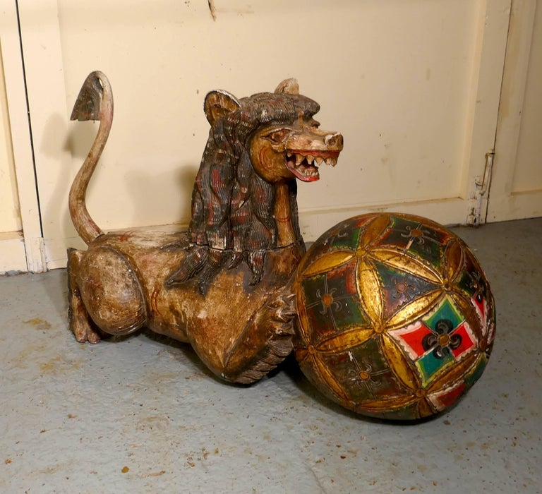 Large Carved Wooden Temple Lion, Pixiu or Foo Dog In Good Condition For Sale In Chillerton, Isle of Wight