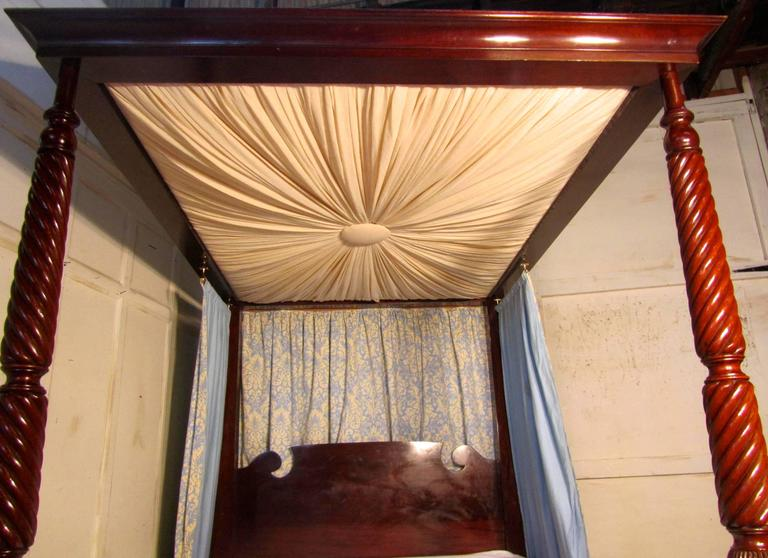 English Victorian Mahogany Four-Poster Bed Large Size with Sunburst Canopy For Sale & Victorian Mahogany Four-Poster Bed Large Size with Sunburst ...