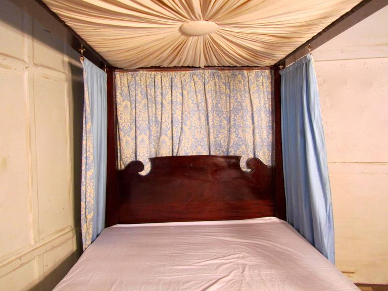 Victorian Mahogany Four Poster Bed Large Size With