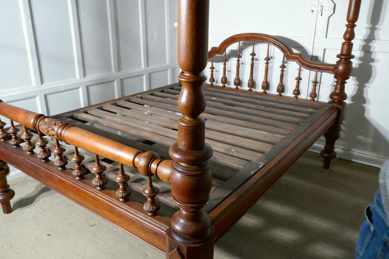 Colonial Raj Four Poster Bed, Anglo Indian Carved Four Poster Large Double Bed For Sale 3