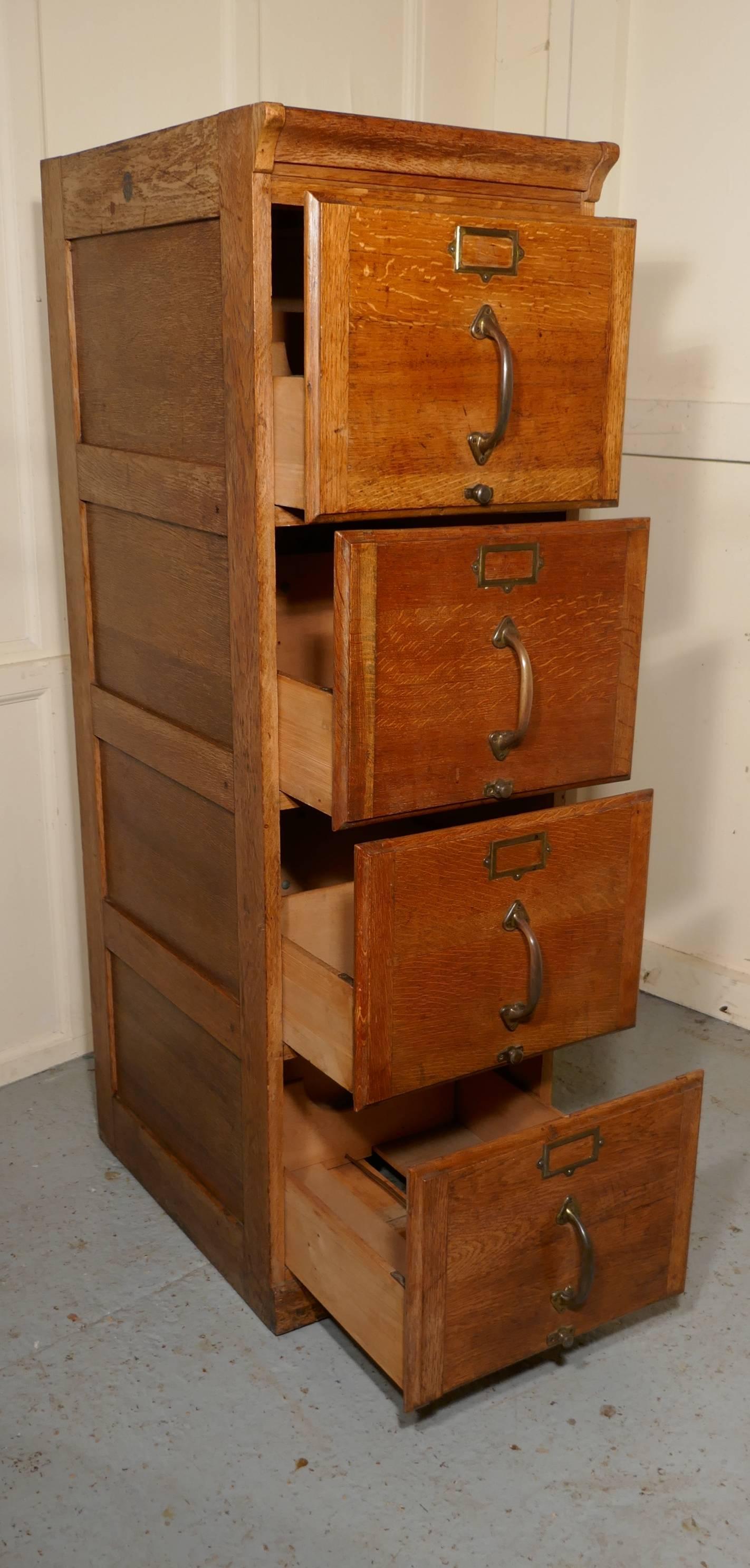 Exceptionnel Large Art Deco Four Drawer Oak Filing Cabinet For Sale 2
