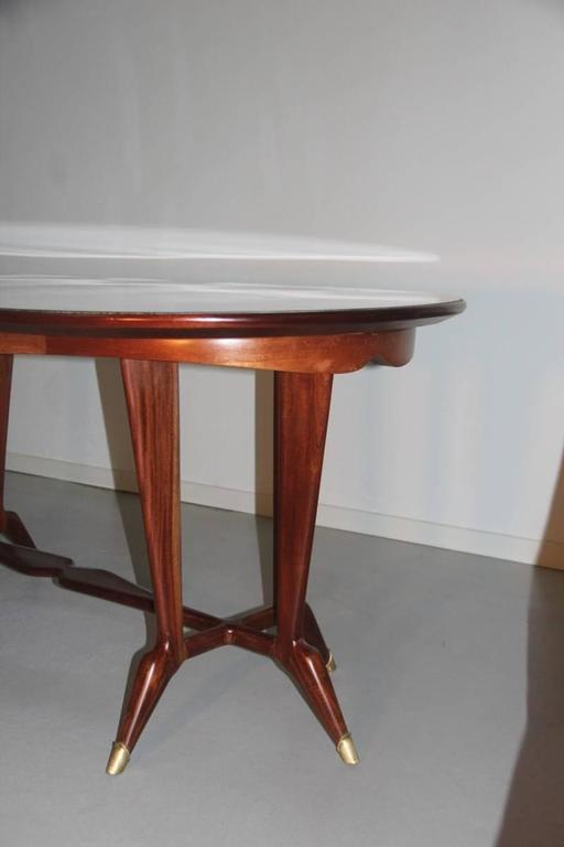 Elegant Oval Dining Table Mid-Century Italian Design In Excellent Condition For Sale In Palermo, Sicily