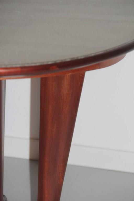 Elegant Oval Dining Table Mid-Century Italian Design For Sale 1