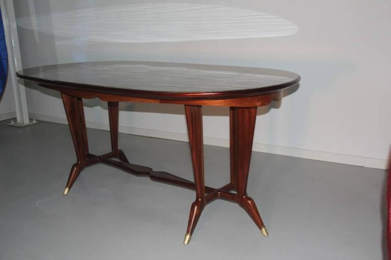 Elegant Oval Dining Table Mid-Century Italian Design For Sale 3