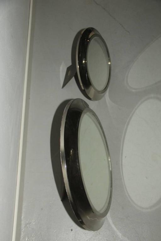 Round mirrors of drawers, 1960 attributed Sergio Mazza.