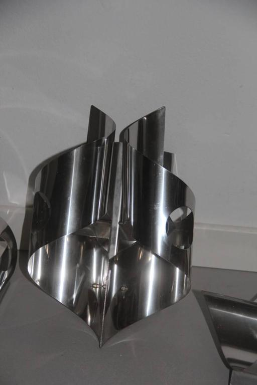 Sculpture Steel Curved Sconces 1970s Italian Design In Good Condition For Sale In Palermo, Sicily
