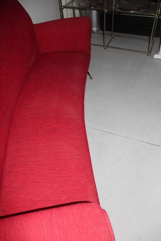 Mid-Century Modern Curved Sofa Minotti Gigi Radice Italian Design Red Color  For Sale 2