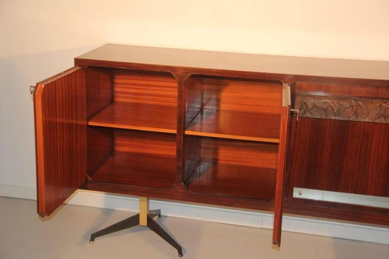 Mid-20th Century Elegant Sideboard Italian Mid-Century Design For Sale